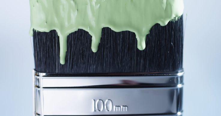 Como usar um promotor de aderência para pintura em plástico. Promotores de aderência são um tipo de primer claro, ideal para a preparação de superfícies, como fibra de vidro, alumínio, vinil, vidro, metal galvanizado, cromado e plástico para uma melhor aderência da tinta. Eles geralmente vêm em uma lata de spray e são muito fáceis de aplicar, desde que você evite as potenciais armadilhas nas quais muitos ...