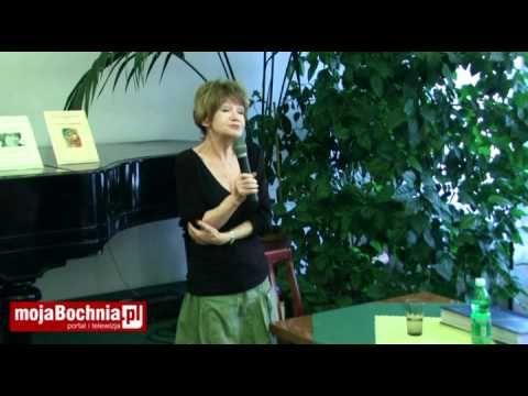 """""""Ani młoda, ani piękna"""" Maria Czubaszek rozbawiła bocheńską publiczność ..."""
