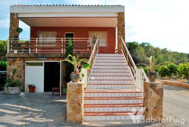 Casa con terreno rústico en El Puig