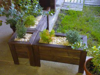 Tanie Meble Ogrodowe: donice drewniane