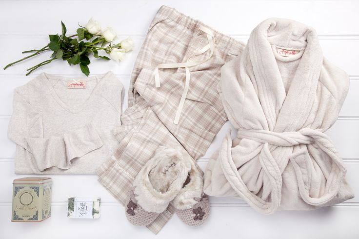 Unwind and Relax available now at thespecialdeliverycompany.com.au Papinelle Vanilla wildflower knit mule, Papinelle 'Dark Cream' Plush bathrobe. Papinelle Long Sleeve Cotton Modal Raglan in 'Cream', Harney & Sons Fine Teas 'Vanilla Comoro' blend (20 sachets) and Australian company Maple Soaps 'Mint & Walnut Scrub' (135g) handmade soap