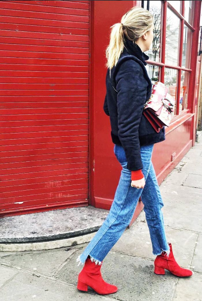 Bloggers Can't Stop Wearing These Winter Outfit Combinations: Frayed jeans and red ankle boots