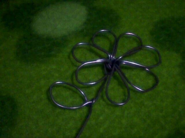 Flor de alambre de aluminio, es hermosa