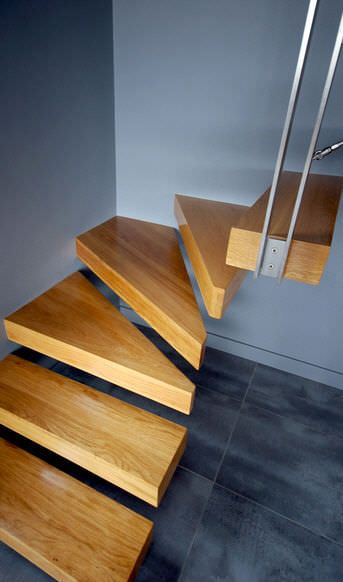 Escalier quart tournant / marche en bois / sans contremarche / contemporain - KONSOL : KON002 - KOZAC