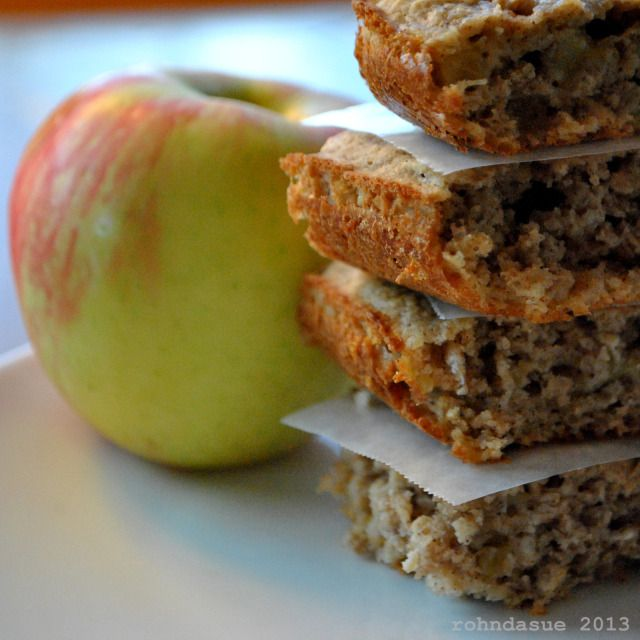 Apple Oat Cakes... So easy and a yummy on the go E snack. Makes 6 servings. (Mine were done in 25 min.)