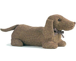 Dachshund Door StopI would love to make this,is there a pattern?