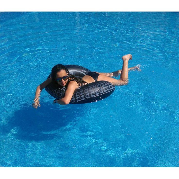 Tumblr piscina