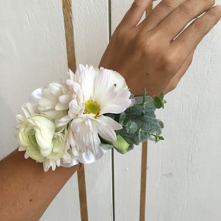 CBL152 wedding Riviera Maya white flowers for wrist corsage