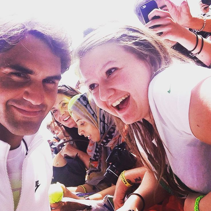 That one selfie we all wish to have  #Federer #RogerFederer #atp #wta #backhand #forehand #smash #tennis #sports #fitness #instadaily #nike #wilson #champion #bel18ve #legend  #swiss #passion #motivation #success #determination #smile #rolex #atpworldtour  #training