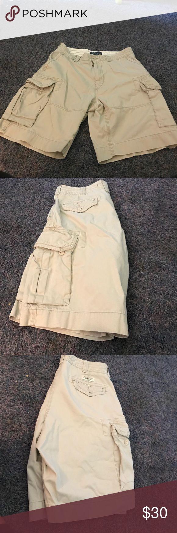 Light khaki cargo short size 34 polo Ralph Lauren Men's Light khaki polo Ralph Lauren cargo shorts size 34 Polo by Ralph Lauren Shorts Cargo