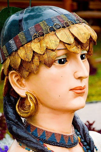 Princess flowers one of the kings who ruled of Mesopotamia Sumer (Nasiriyah) Southern Iraq .. her Name is Shbaad . Which is considered the goddess symbolizing fertility and thrive In the Sumerian civilization, the wife of the king Abarta . King of Ur by: