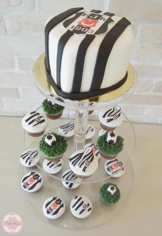 Futball supporters' cupcakes tower...Beşiktaş takım taraftarı cupcake kulesi