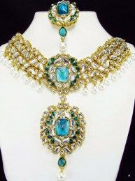 Square Design Necklace Set With CZ And White Kundan Necklace Set