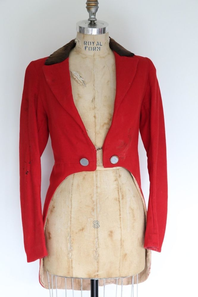 Circus Ringmaster Tailcoat Jacket. In bright Red stained with Blood and dirt you will be the scariest Ringmaster yet! With skulls on the buttons and gold detailing you look elegant yet terrifying.