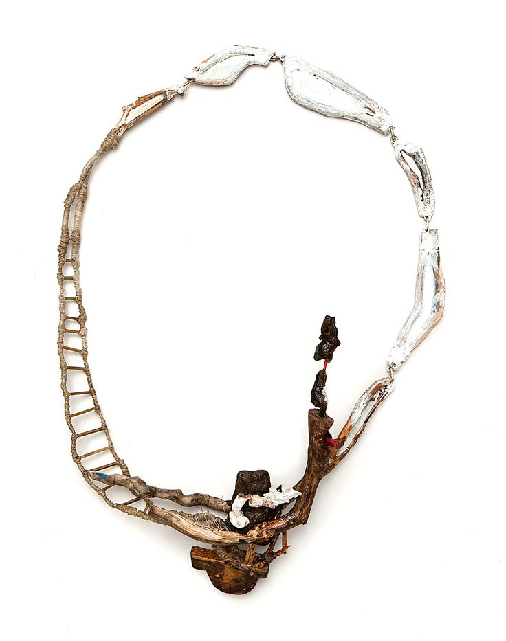 Attai Chen Necklace: Ole-Bebo, 2014 Wood, color, silver, plastic, brass, fabric, gold 38 X 30 X 8 cm Photo by: Roni Knaani From series: Terra Mutantica