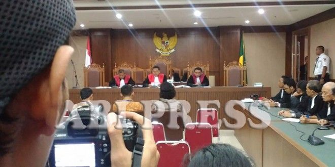 LBH Jakarta: Keputusan Hakim Tidak Komprehensif    ~ http://goo.gl/yCmxKC ~ telegram.me/infoahlulbait