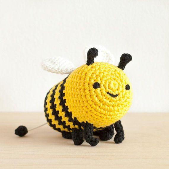 Bibi Bee   Spieluhr Bio Wolle.#etsyde#weihnachtsgeschenke#handgemacht #FindeDeinWeihnachten