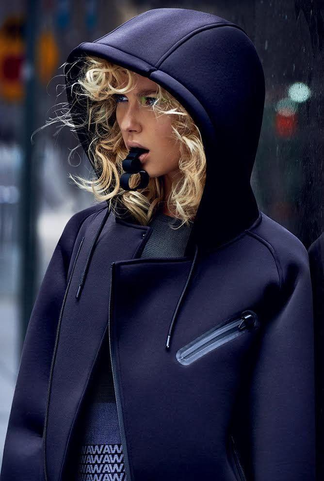Elle Czech Republic November 2014 | Adriana Cernanova by Branislav Simoncik [Fashion]