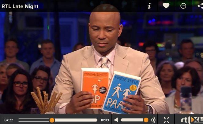PAAZ & UP zomaar weer te gast bij RTL Late Night, over verwarde mensen (dus dachten ze aan mij...): Hoe leuk is dat: PAAZ & UP waren weer te gast bij RTL Late Night! Over verwarde mensen (en dus dachten ze meteen aan mij ;)), zie hier het complete item: http://www.rtl.nl/rtl-late-night/#!/335528/video/876bb16d-e8ce-2c63-51d8-885e9d2afad4-guusta-zorg-verwarde-mensen-niet-optimaal/