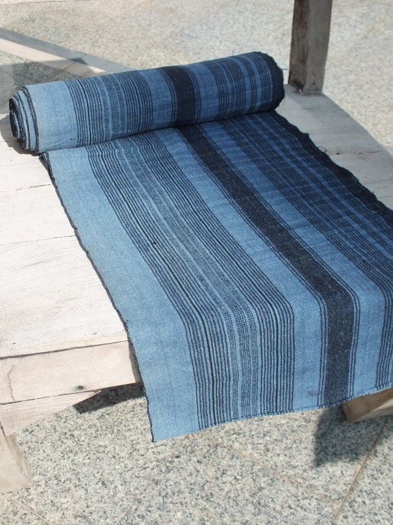Love these blues, would be beautiful as a handwoven scarf.