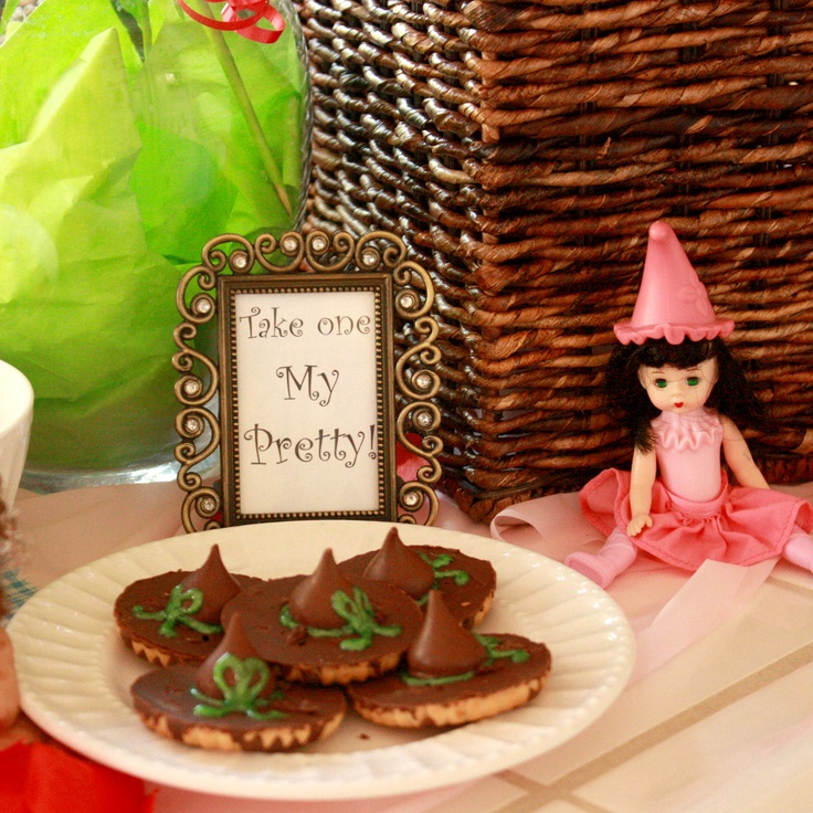 Witch Hat CookiesHoliday Ideas, Witch Hats, Bday Ideas, Birthday Parties, Hello Halloween, Halloween Recipies, Wizards Of Oz Witches Treats, Halloween Ideas, Witches Hats Cookies