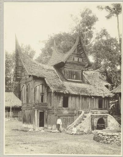 Een vervallen Minangkabau Surau in Baso, Christiaan Benjamin Nieuwenhuis, 1890 - 1912