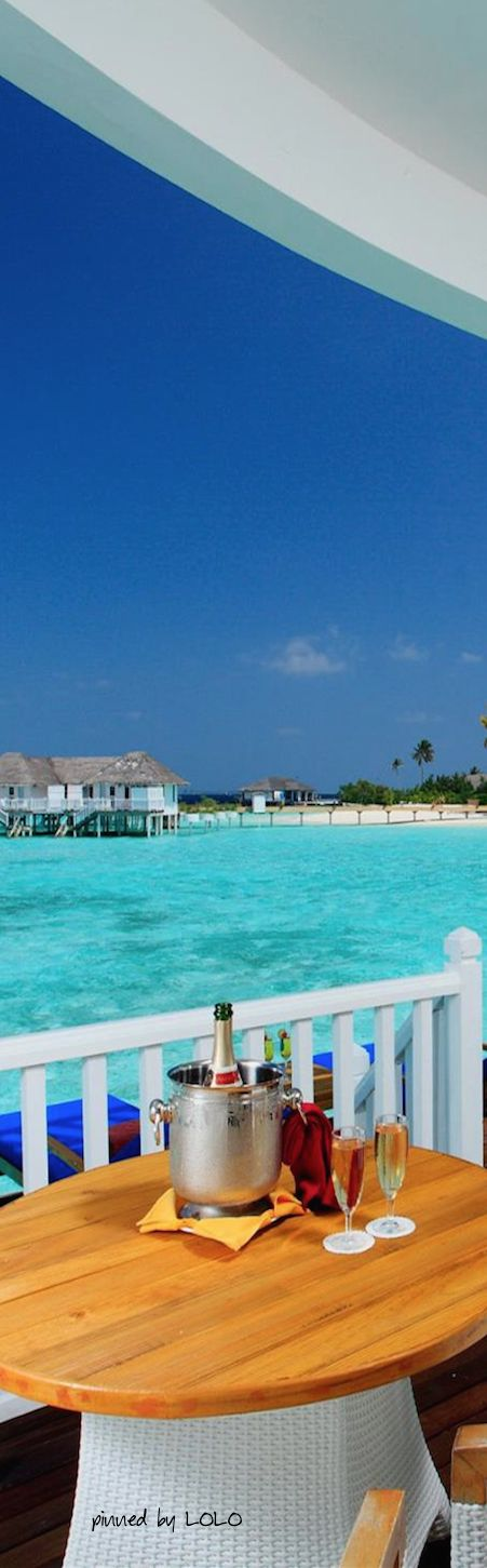 Centara Grand Island Resort & Spa... Maldives | LOLO