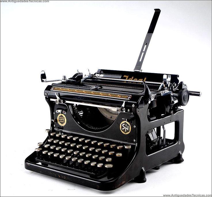 Ideal German Typewriter 1930