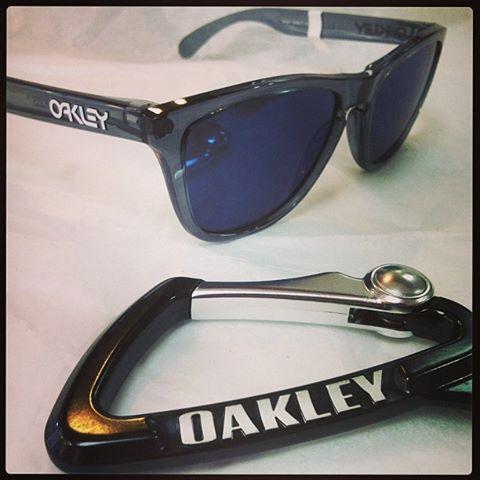 oakley lenses peeling