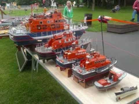 Raising funds for the RNLI at Heaton and District model boat club