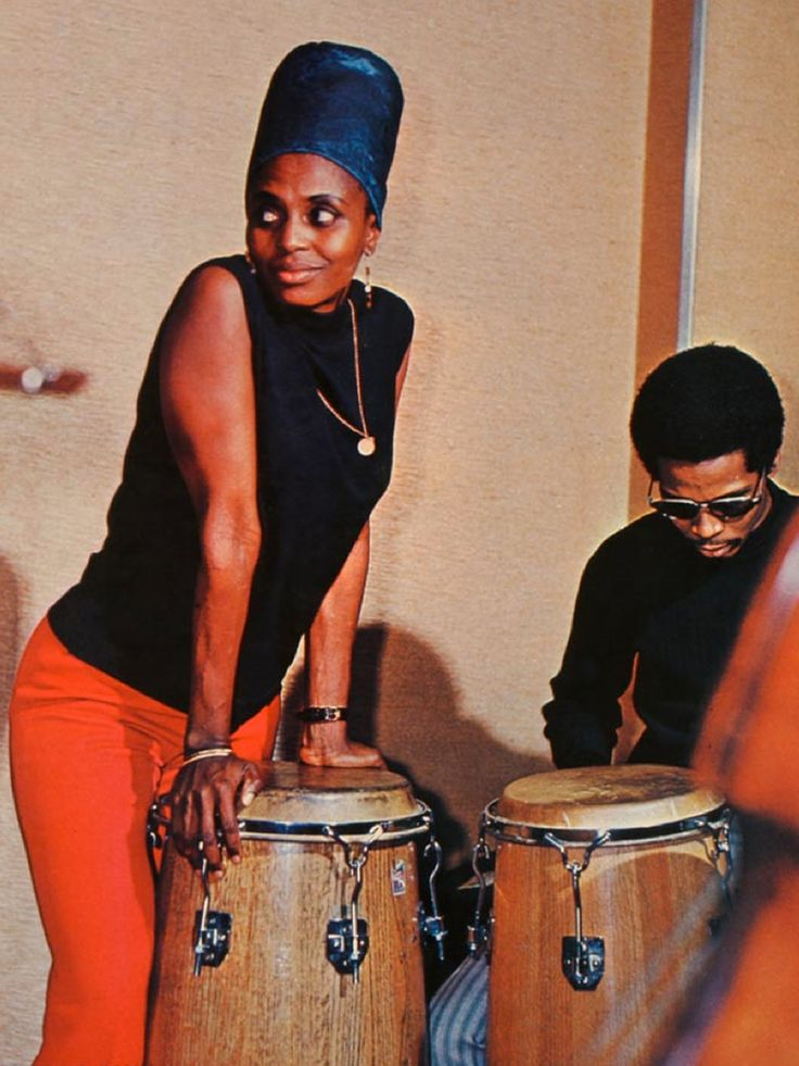 Miriam Makeba hanging with the Bongo player. Smart lady.