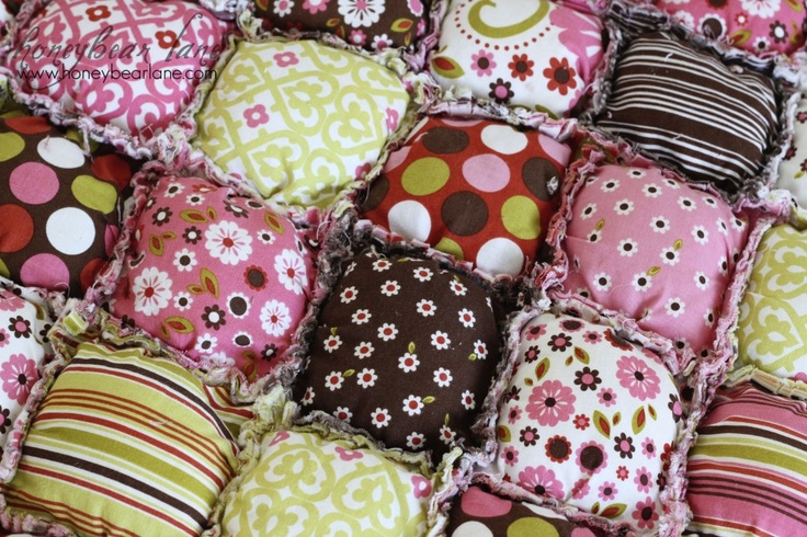 Honeybear Lane combined her puff quilt with a rag quilt - genius!