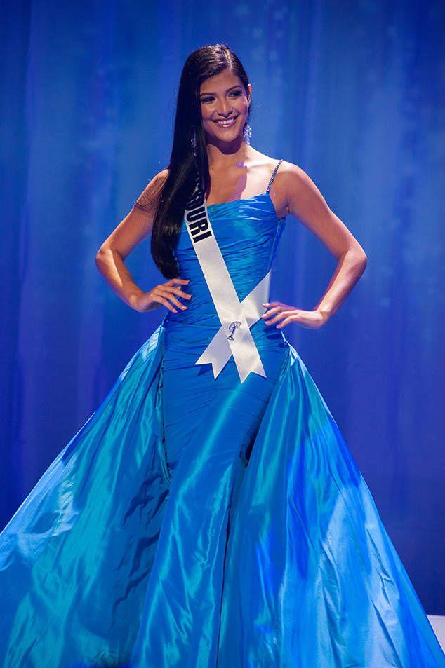 Miss Missouri Sophia Dominguez-Heithoff Crowned Miss Teen USA 2017 - https://blog.clairepeetz.com/miss-missouri-sophia-dominguez-heithoff-crowned-miss-teen-usa-2017/