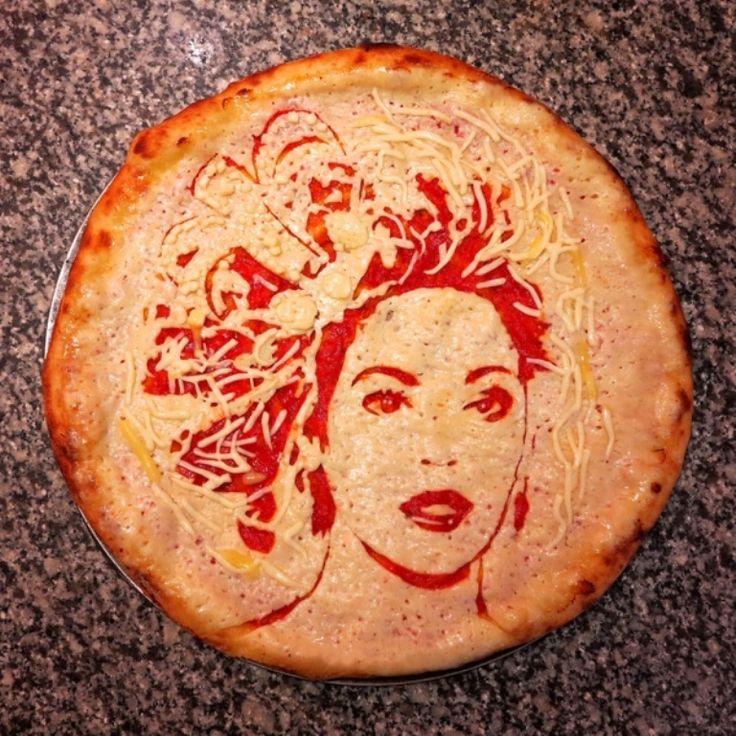 Пицца пользуется такой популярностью среди женской половины Италии, что один из итальянских производителей средств по уходу за кожей выпустил серию косметики с запахом пиццы. При чем ,среди итальянок эта серия пользуется спросом.