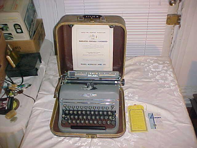 Vintage Sears Roebuck Co Tower Tabulator 603 10 Typewriter W Case Manuals Searsroebuckcotower Typewriter Writing Tools Roebuck