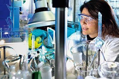 Até 20 de fevereiro estão abertas as inscrições para o Programa Ciência Sem Fronteiras em parceria com a Bayer, que selecionará 29 brasileiros terão a oportunidade de estagiar em alguns dos centros de pesquisa, desenvolvimento e inovação da empresa alemã nos Estados Unidos, Alemanha e França.