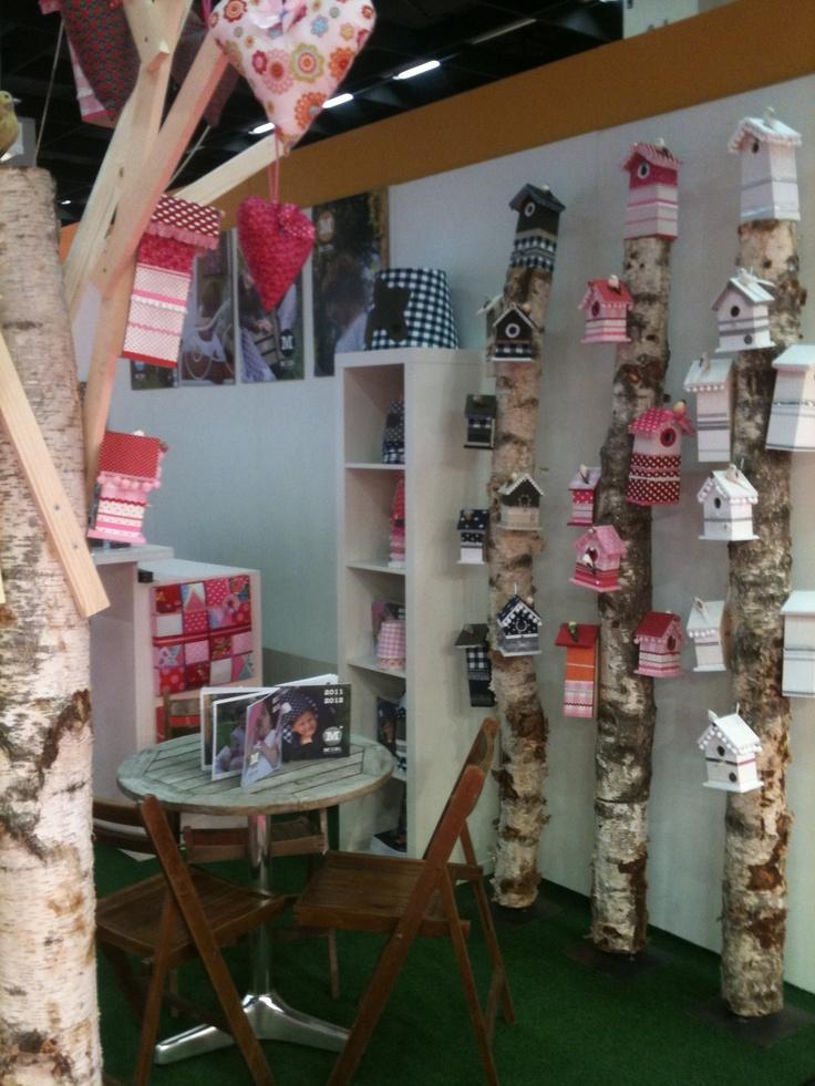 Stylingtip voor thuis: vogelhuisjes hangen echt in de bomen!