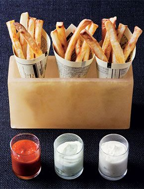 French Fries with Three Dips: Bowls Parties, Homemade French Fried, Theme Parties, Dips Recipe, Presentationfrench Fried, French Fries, Three Dips, Cakesparti Ideas, Packaging Ideas