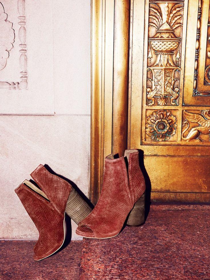 Infinity Heel Boot