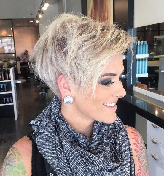 cortes de pelo Pixie son la opción perfecta para las chicas que buscan un peinado de moda, elegante, y en última instancia, sin preocupaciones. Nosotros hemos llegado con una lista de las ideas adorables del duendecillo de corte de pelo que incorporan las explosiones en la mezcla, una gran idea para todas las mujeres que …