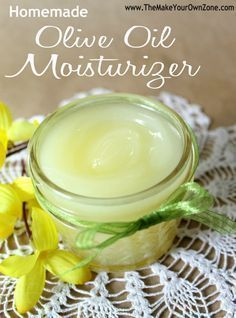 Homemade olive oil moisturizer 1/3 cup Olive Oil 2 tablespoons Coconut Oil 2 tablespoons Beeswax 1/2 teaspoon Vitamin E Oil (optional) #homemadewrinklecreamsvitamine