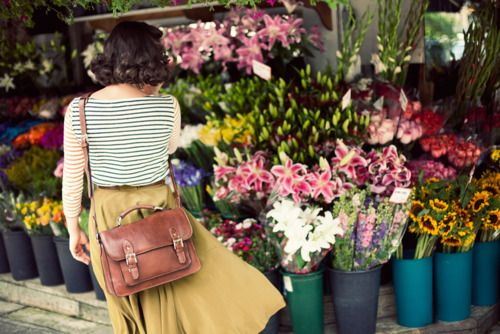 Can't wait for spring: Schools Bags, Midi Skirts, Yellow Skirts, Flowers Marketing, Outfit, Camera Bags, Satchel Bags, Leather Bags, Flowers Shops