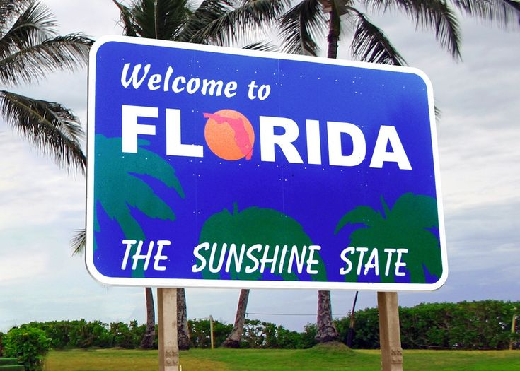 MustDo.com | Welcome to Florida The Sunshine State highway sign. Visitors to Florida can easily underestimate the dangers of exposure to intense sunshine. We offer some tips on staying healthy and hydrated during your stay.