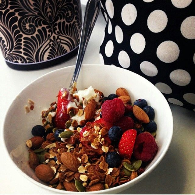 Yummy & healthy! Heart 1st #cereal- Barley flakes with Oats, Cranberries, Nuts and Seeds! Get 30% of your daily fibre from 1 bowl. The cereal is #lowgi which will keep you from snacking before lunch! Kickstart your day with Goodness! Available from @woolworths_au #cleaneating #Barleymax #portioncontrol #weightmanagement #diabetes #supergrains #superfoods #CSIRO #gmofree #breakfast