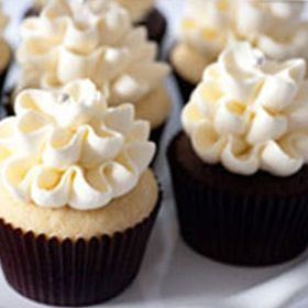 6 Birthday Party Resources that Come to You - The Flour Shoppe is a popular spot in the Glebe. This bakery uses all-natural ingredients, so you can be sure the lemon cupcakes have real lemon in them, not just extract or flavouring. Options range from classics like vanilla bean and double chocolate to unique variations such as coconut lime and chipotle chocolate. Delivery can be arranged within Ottawa.  Good to Know: The Flour Shoppe appreciates 24 hours notice for custom orders.