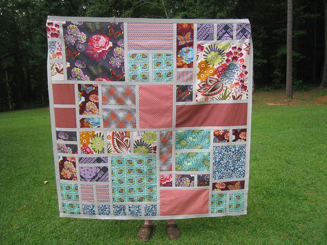 window pane quiltGardens Pattern, Daughters Clothing, Rose Gardens, Flickr Modern, My Daughters, Windows Panes, Loulouthi Gardens, Flickr Widget, Loulouthi Quilt