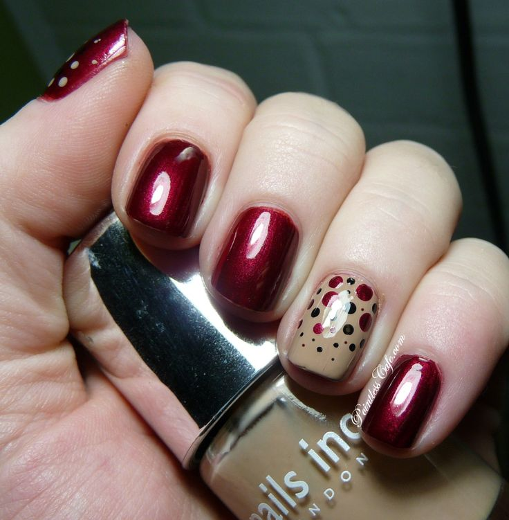 Notd metallic red and camel with polka dot accent nail for Decoracion de unas cafes