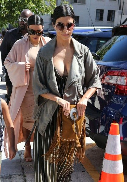 Kim Kardashian Photos: The Kardashian Clan Heads Out for Lunch at The Ivy