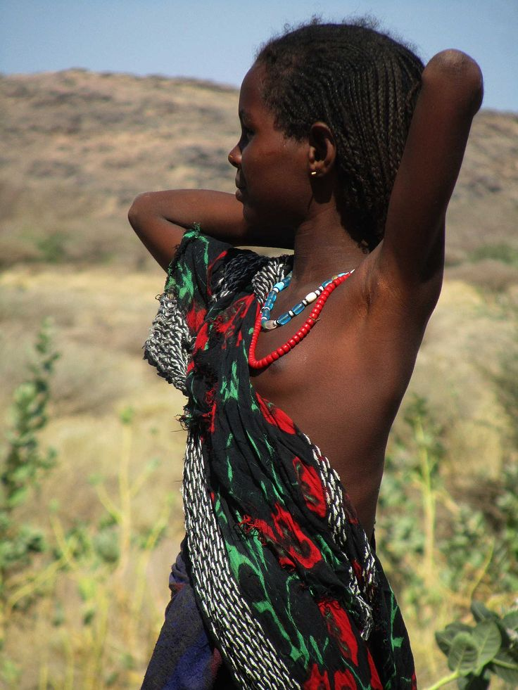 african nude tribe girl