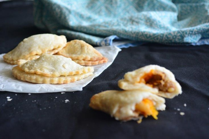 Gluten-free Recipe: Cornish Pasties - http://www.glutenfreelunchboxes.com/gluten-free-recipe-cornish-pasties/